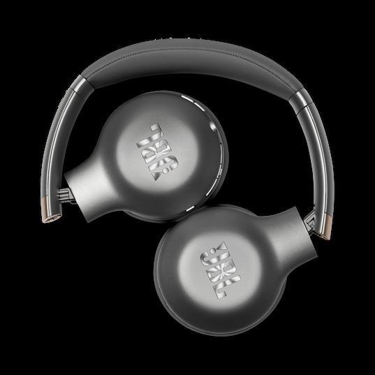 JBL EVEREST™ 310 - Gun Metal - Wireless On-ear headphones - Detailshot 1